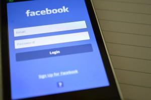 facebook se met aux gifs